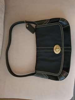 🚚 Coach shoulder handbag