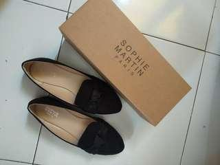 Flatshoes hitam sophie martin size 38