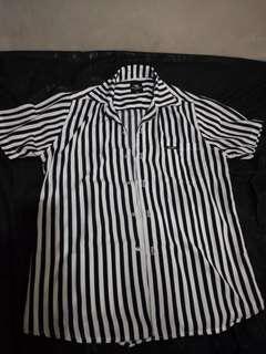 Kemeja Stripes pria hitam putih new without tag