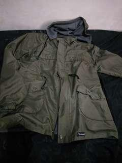 Jaket Parasut musim hujan warna army