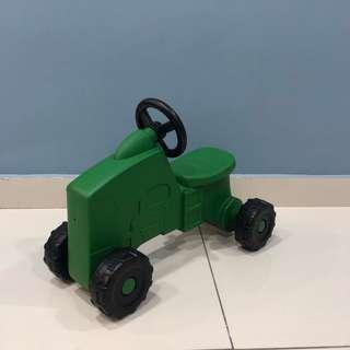 Tomy John Deree Sit-N-Scoot Tractor