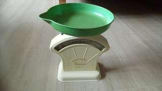 Weighing scale, vintage