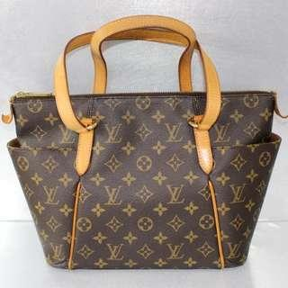 LV Monogram Totally PM