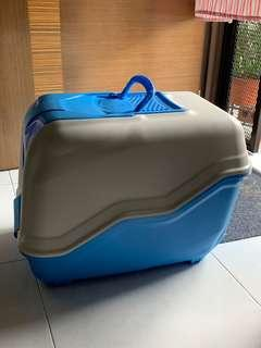 🚚 Litter box for cats