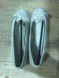 🚚 (New) Ribbon Flats (Size 38)