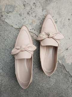 Pre-loved Nude Loafers