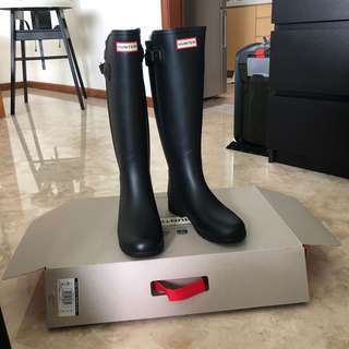 be5e7625bef rain boots | Tablets | Carousell Singapore