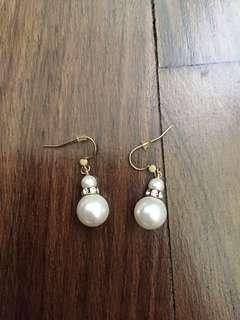 🚚 Pearl Earrings