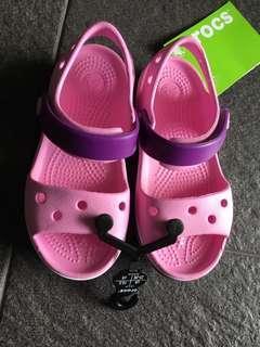 71d81e821041 BN Crocs Sandals US C9