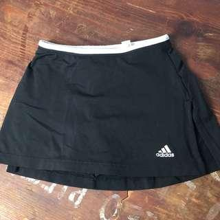 Adidas climalite tennis skirt in size M