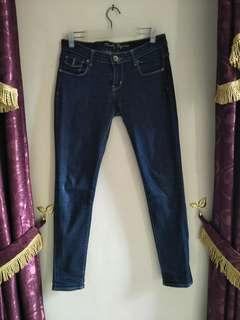 Ninety degrees jeans
