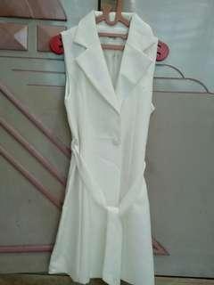 Coat putih