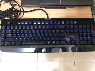 Razer Widow Ultimate 黑寡婦鍵盤