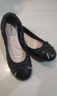 Hush Puppies Belle black size 5