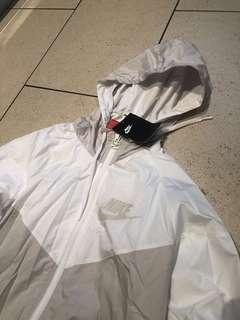 Nike windbreaker- brand new- not sold in Aus