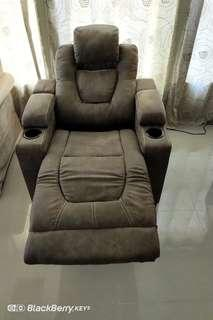 Single Full Features Electric Recliner