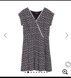 🚚 Iroo black and white mock wrapover short dress in size 36