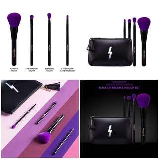 "PONY EFFECT ""THAT GIRL"" HOLIDAY限定   💜紫色刷套装 THAT GIRL BRUSH & POUCH SET"