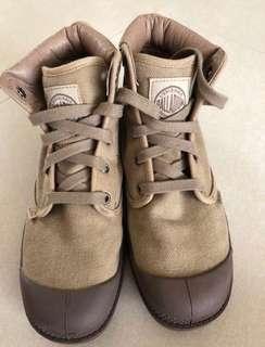 🚚 Used Palladium Boots for women Sz39