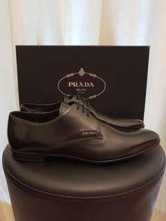 Authentic PRADA Men's Brushed Calfskin Leather Derby Shoes Size: 41