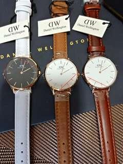 Daniel Wellington Watch (OFFER)