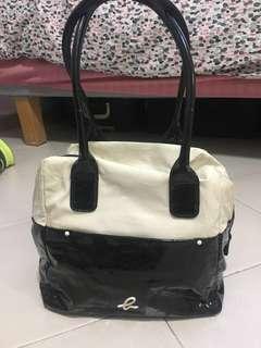 Preloved Agnis B Voyage Bowling Bag