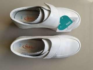🚚 護士鞋 美而堅 69號