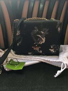 🚚 Authentic Kate Spade Sling Bag