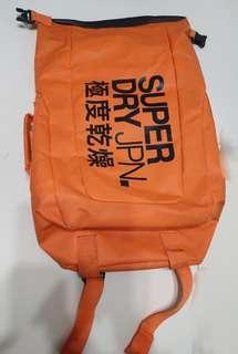 🚚 專櫃正品 superdry  極度乾燥 電腦包 背包有暗袋 電腦插袋