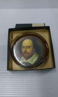 🚚 威廉.莎士比亞 玻璃書鎮