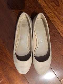 Novo Leather Flats Size 6