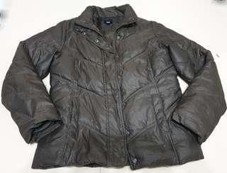 🚚 專櫃正品 gap 咖啡色羽絨外套 約9新 保暖 口袋內有絨布 質感很好