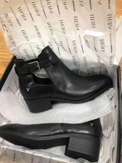 Windsor Smith reina black boots (rrp $149)