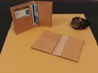 Simple Bifold Leather Wallet / Dompet Kulit Asli Pria / Dompet Kulit Pria / Dompet Kulit Asli - Cendrawasih I by BHINNEKA