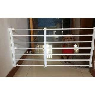 🚚 <FREE DELIVERY**> Clothes Rack / DIY Fences / Pet fence/ Gate: Barricade