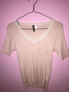 H&M cream tops fit body