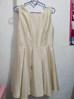 Dress ribbon cream