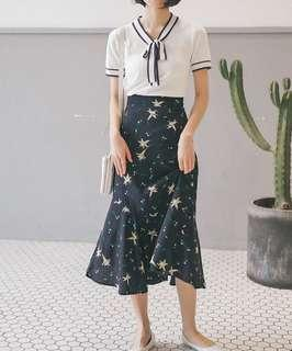 🚚 Floral Mermaid Midi Skirt in Navy
