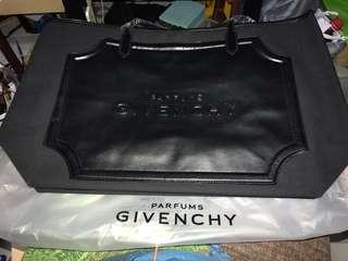 🚚 GIVENCHY tote bag