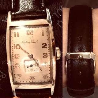 30年代 亞米加天梭 機械上鍊14K混金腕錶 Vintage Omega Tissot Mechanical Manual Wind 14K GF Wristwatch :  100% Original Dial/Movement/Case in working order 原裝天梭錶面、上鍊機芯、罕有14K混金原裝弯曲形状錶殼(極新淨)23.5mm x 40mm in diameter (Rare curved shape Case in excellent condition),全新真皮錶帶,運作中。