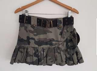 🚚 Forever 21 Camo Print Ruffled Hem Skirt
