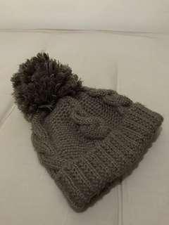 🚚 Korea可可色絨毛球針織毛帽