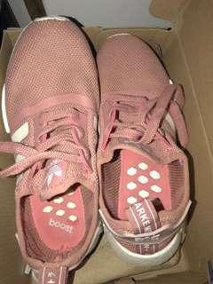 Sepatu NMD R1 Salmon pink , premium quality