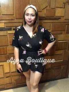 Plus Size Long Side Top Floral Black
