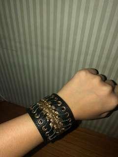 Gelang/bracelet kekinian (black)