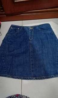 Rok Jeans.. sz M smpai L.. Like new ya..Very good condition