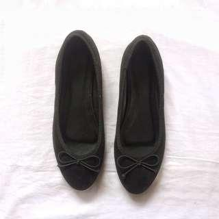 Pump Shoe #MAKESPACEFORLOVE