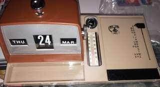 (全新)(香港制造)60,70年代座檯月曆筆座