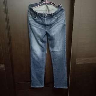 無印良品深藍色直筒褲約是32腰,腰圍85cm,9成新