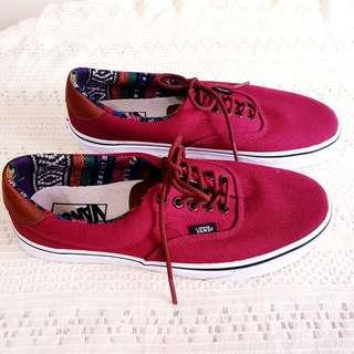 """Vans """"Off The Wall"""" Sneakers. For Man (Size US 8) or Woman (Size US 9.5). Unused, Good Condition. $45, WhatsApp 96337309."""